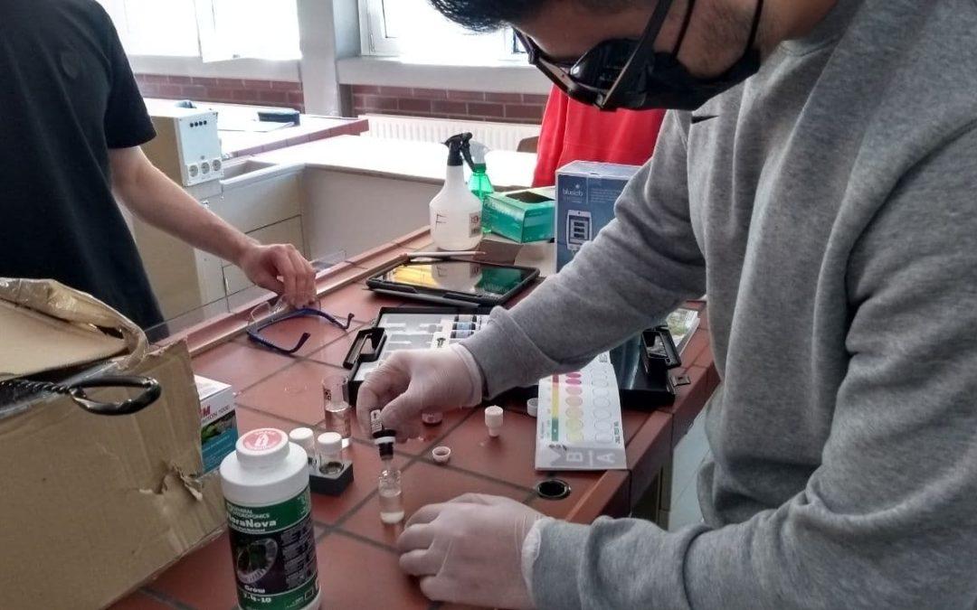 Workshop zur Pflege eines Aquaponiksystems an der Gustav-Heinemann-Gesamtschule
